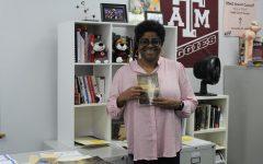 Navigation to Story: Teacher Feature: Meet English Enthusiast Ms. Elliott
