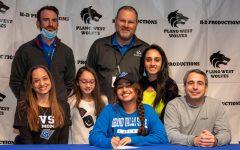 Navigation to Story: Estefania Hernandez, Tennis, Grand Valley State University